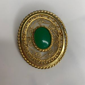 Vintage Gold Plated Oval Brooch Pin Gold & Emerald